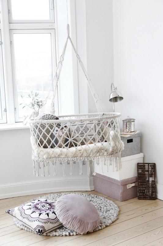 Interieur kids kleine babykamer inrichten dit zijn mijn tips stijlvol styling woonblog - Kamer klein meisje jaar ...