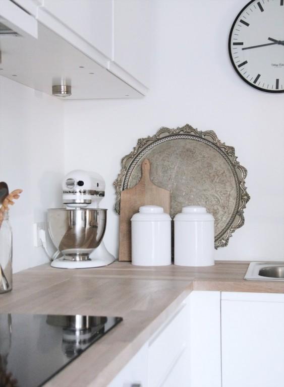Interieur 5 styling tips om je keuken stijlvol en gezellig te maken keuken decoratie met o - Decoratie kleine keuken ...