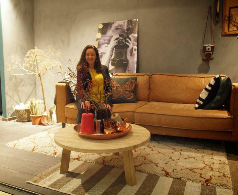 Interieur woonkamer inrichten in de stijl 39 robuust retro eenvoud 39 stijlvol styling - Beige warme of koude kleur ...