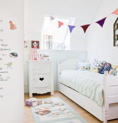 Interieur & kids | Kinderkamer in mintgroen voor kleine Lou