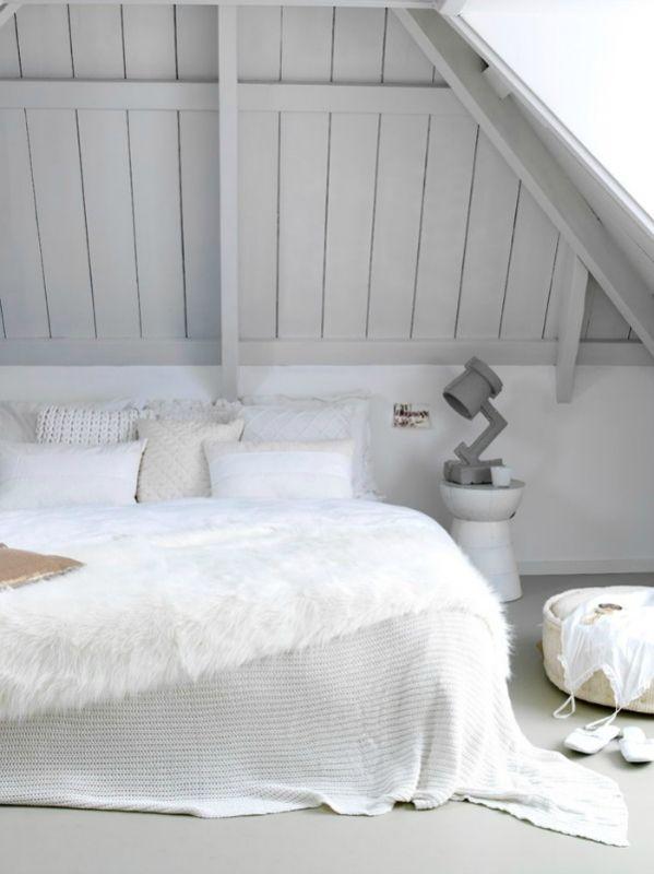 Interieur slaapkamer op zolder stijlvol styling woonblogstijlvol styling woonblog for Slaapkamer op de zolderfotos