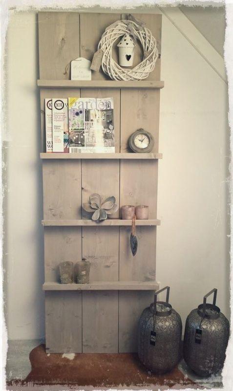 Interieur eigentijds wonen met steigerhout meubels stijlvol styling woonblog - Decoratie zolder ...
