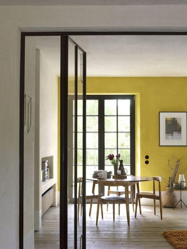 Kleur interieur geel brengt het zonnetje in huis for Interieur geel