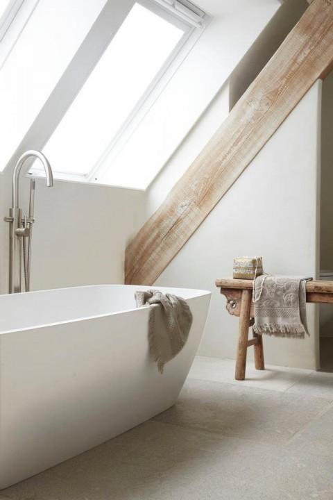 Interieur badkamer op zolder stijlvol styling woonblog - Kleur idee ruimte zen bad ...