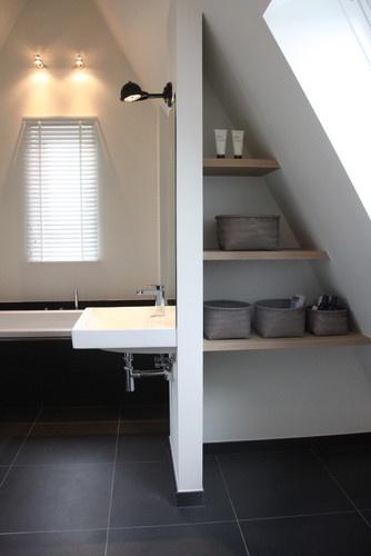 Badkamer idee kleine ruimte for - Idee amenagement zolder klein volume ...