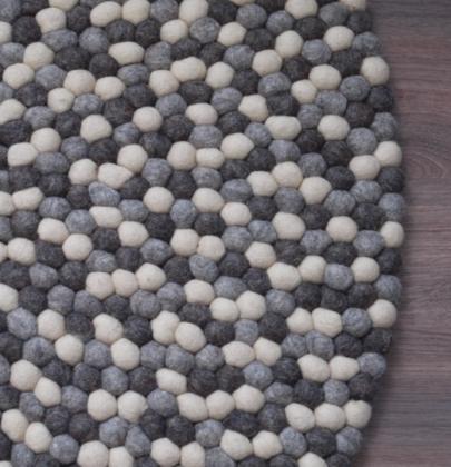 Interieur | Handgemaakt Bolletjeskleed van vilt