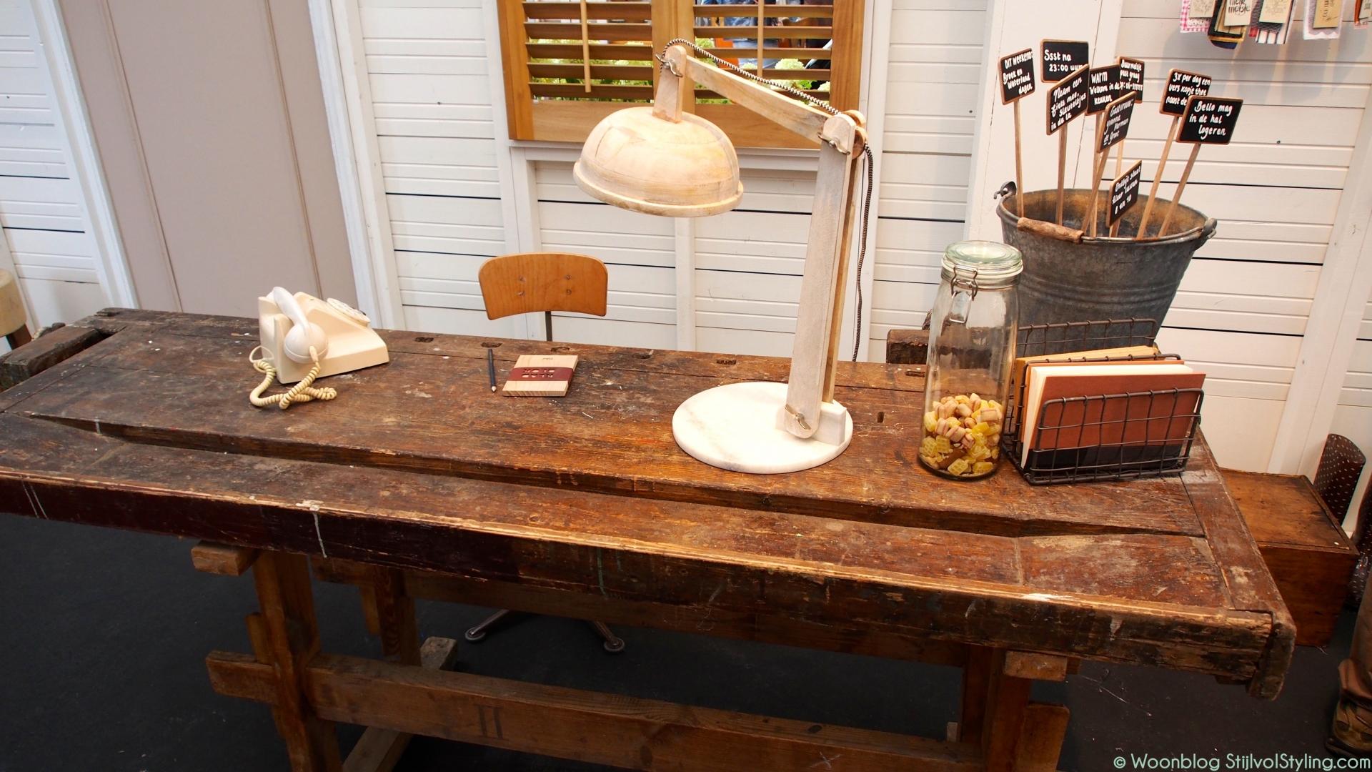 Interieur inspiratie een oude werkbank in het interieur stijlvol styling woonblog - Oude stijl keuken wastafel ...