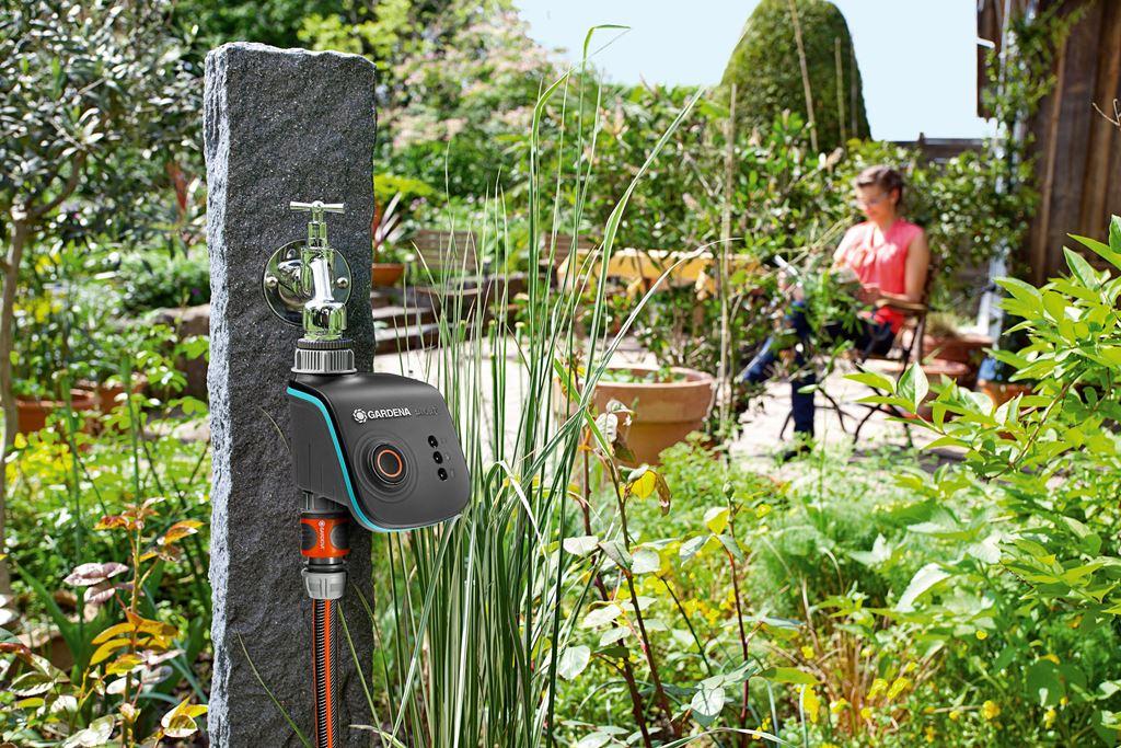 buitenleven slim tuinieren met de automatische tuin stijlvol styling woonblog. Black Bedroom Furniture Sets. Home Design Ideas