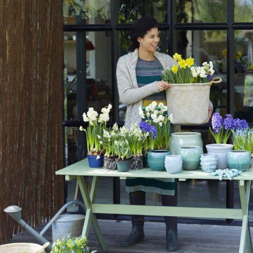 Buitenleven   Lentegevoel met bloembollen op pot - Woonblog StijlvolStyling.com