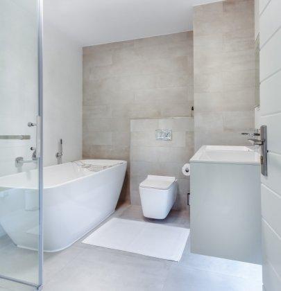 Interieur   Droom badkamer met vrijstaand bad